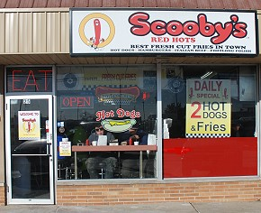 Bensenville restaurant serving Italian beef and sausage, Chicago-style hotdogs, hamburgers.